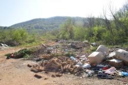 Бунище в Чеканица се разраства