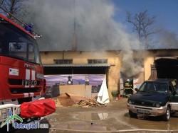 Взрив на газова бутилка предизвика голям пожар /допълнена/