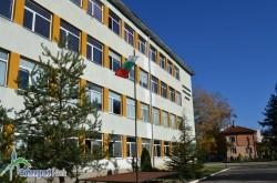 """Ученици от ПГТМ """"Христо Ботев"""" ще участват в международен панаир на тренировъчни фирми"""