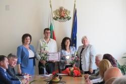За втора поредна година областният управител връчи награди за постижения в областта на просветата и културата