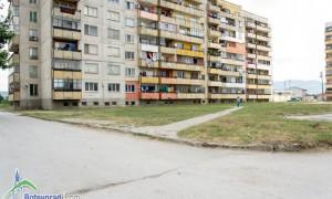 """Най-замърсените площи в ЖК """"Саранск"""" са почистени"""
