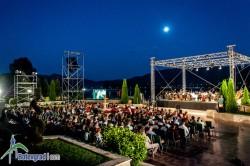 """Симфония """"Линц"""" под диригентската палка на маестро Диан Чобанов  постави началото на """"Моцартовите празници"""" тази вечер в Правец"""