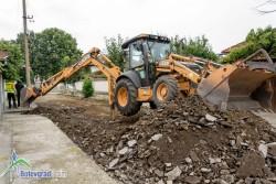 Започна ремонт на две улици в Литаково
