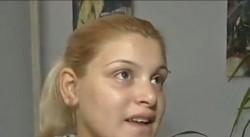 Ето я 13-годишната майка на бебето Динко