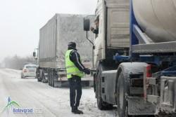Аварирали камиони на Витиня, движението по магистралата е ограничено