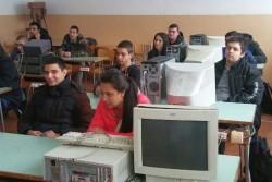 """Ученици от ПГТМ """"Христо Ботев"""" взеха участие в състезание по електроника"""