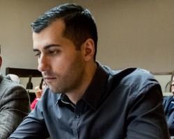 Дa се отпуснат до 50 000 лева за подмяната на 10 автобусни спирки с нови, предлага съветникът Дамян Маринов