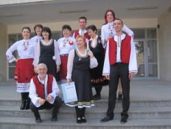 На първи март учителите в Езиковата гимназия преподаваха, облечени в народни носии