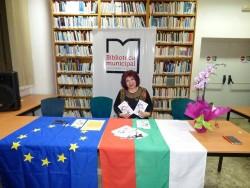 Кметството и библиотеката на град Ибиса организираха представянето на двуезичната книга на Малинка Цветкова. Консулът на България уважи събитието