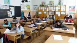 Балът за прием след 7 клас може да се образува с различни предмети за всяка паралелка