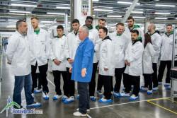 Баскетболистите на Балкан се запознаха с производството на IMI