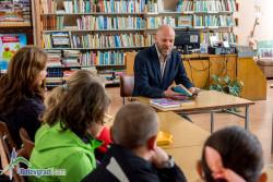 Книжарница ELEPHANT дари 300 книги на библиотеката в Ботевград