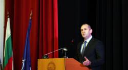 Румен Радев: Армията ни е в преломен момент