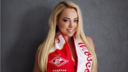 Спортна журналистка остана без дрехи заради Ивелин Попов