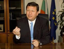 """Веселин Божков, КРС: Българите вече ще използват """"роуминг като у дома"""""""