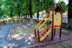Служители на РЗИ провериха състоянието на детските площадки в Софийска област