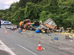 Шофьор на микробус загина на пътя Ботевград-Мездра