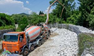 Отстраняват дефектите след ремонта на брегоукрепващите съоръжения на река Рударка