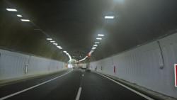 """Движението в дясната тръба на тунел """"Ечемишка"""" ще бъде пуснато на 30 юни 2017 г."""
