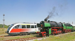 Тумба роми накладе огън върху жп линия, спря влака за Кюстендил