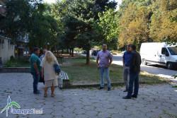 В присъствието на областния управител бе даден старт на санирането на поредните два блока в Ботевград