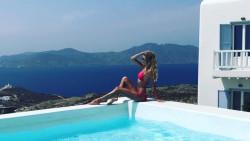 Диана Иванчева показва прелести от Миконос