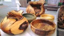 Занимания по дърворезба и керамика край река Бебреш в Боженица
