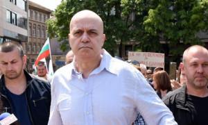 Слави Трифонов влиза в политиката?