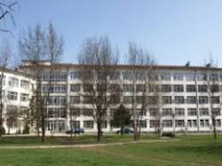 Полицаи от РУ-Етрополе задържаха мъж, вандалствал  в местната болница