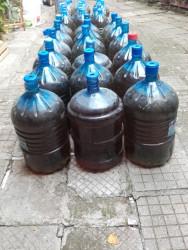 Над 700 литра контрабанден алкохол е иззет от дома на възрастна жена от Правец