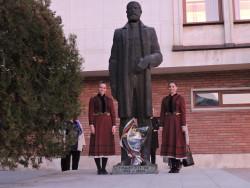 Етрополци отбелязаха с Празничен концерт Деня на народните будителите
