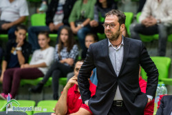 Лукойл Академик остана без треньор