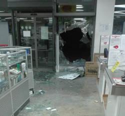 Разбит е магазинът на Техномаркет в Ботевград (допълнена)