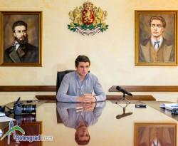 Кметът Иван Гавалюгов с поздравителен адрес до студентите