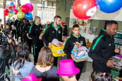 Баскетболистите празнуваха с деца, лишени от родителски грижи