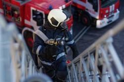 Съвети за пожарна безопасност по време на коледните и новогодишните празници
