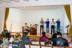 Коледен концерт изнесоха децата от музикалната школа при читалището