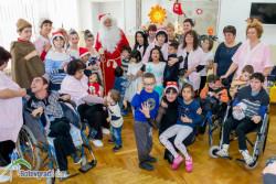 Дядо Коледа зарадва децата от ДЦДМУ – Ботевград