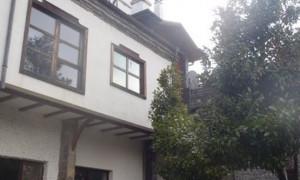 Съдебен изпълнител продаде бивша резиденция на Тато
