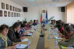 На областно ниво дискутираха варианти за съдействие между институциите при извеждане на деца от домовете