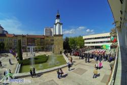 Колко и кои са почетните граждани на Ботевград през годините?