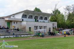 Областният управител на Софийска област Илиан Тодоров иска да даде стадиона на ботевградчани, Регионалното министерство не дава