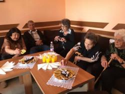 """Дом за възрастни хора """"Д-р Адриан Атанасов"""" посрещна гости от Мездра"""