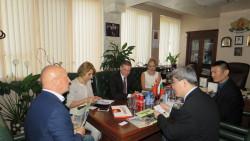 Българчета и китайчета слагат началото на побратимяване на Софийска област с регион в Китай