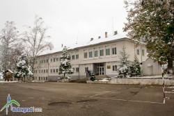 """С 12 гласа """"за"""" и 8 """"въздържал се"""" Общинският съвет взе решение за преобразуване на училищата в Липница и Новачене в едно"""