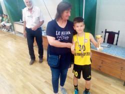 """Фестивал на  мини баскетбола """"Венци Славов"""": Медали и купи за всички участващи отбори"""