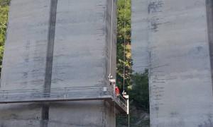 """Проверяват изпълнението на ремонтните дейности на виадукта """"Коренишки дол"""" и на съоръжението при тунел """"Витиня"""" на АМ """"Хемус"""""""