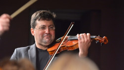 Цигуларят Хари Ешкенази гост на Фестивала на бъчвата във Врачеш