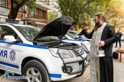 Трите нови полицейски автомобила днес бяха осветени