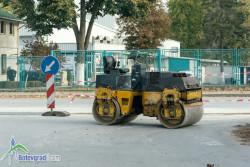 Възстановяват асфалтовото покритие в участъците с подменени водопроводни тръби